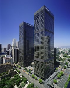 CommonWealth Partners is negotiating to buy City National Plaza.