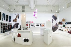 The JustFab flagship store inside the Glendale Galleria. Photo courtesy of JustFab.
