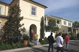 Irvine Co.'s Woodbury homes: upstart builders seeing good response to development