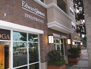 Edward Jones in Fullerton: company hopes to add hundreds of Southern California advisers
