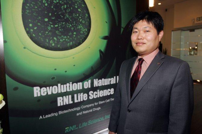 RNL President Jin Han Hong.