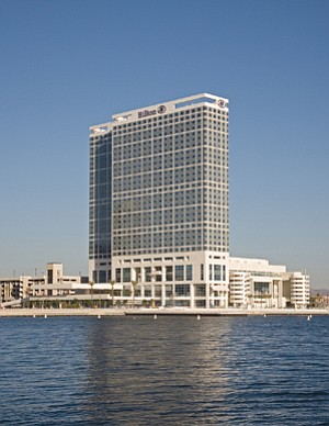 After forfeiting four smaller San Diego hotels last year, Sunstone Hotel Investors is acquiring a majority stake in the Hilton San Diego Bayfront for $475 million.