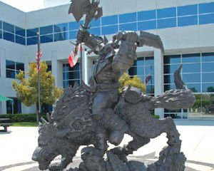"Company campus: ""World of Warcraft"" statue"