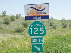 Sandag is offering to buy the lease to operate South Bay Expressway, a 9-mile toll road known as state Route 125 that entered into bankruptcy in 2010.