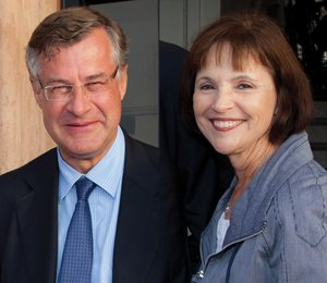 Frederik Paulsen, founder of Ferring Pharmaceuticals, appears with Rebecca Newman of the Salk Institute. Ferring gave the institute $10 million in unrestricted funds.
