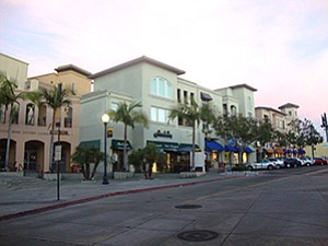 Regency Centers is at work on a $3 million renovation of The HUB Hillcrest Market, one of 10 retail centers that it owns in San Diego County and where vacancies are rare.