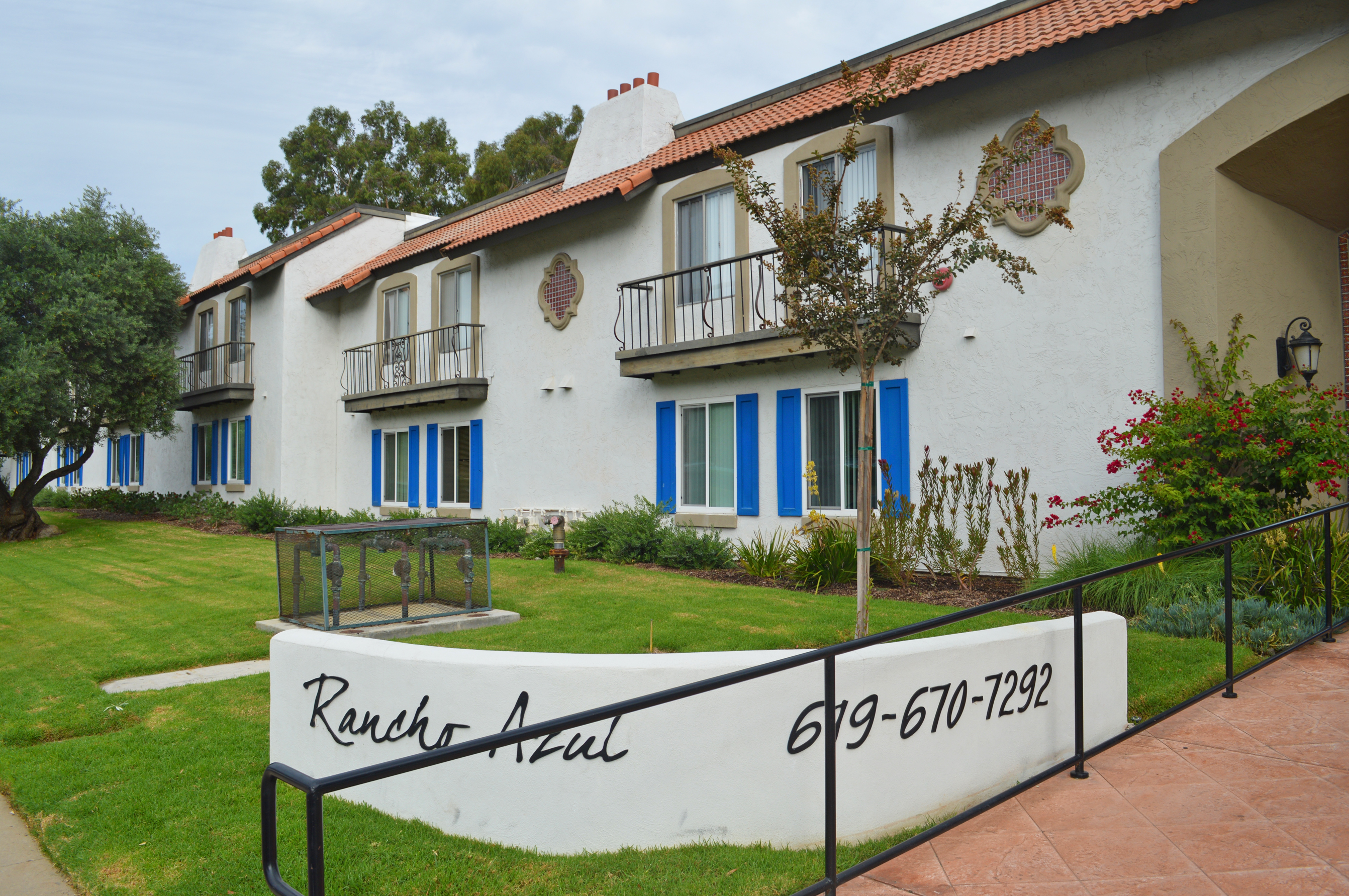 spring valley apartment complex sold for 17 9m san diego business journal. Black Bedroom Furniture Sets. Home Design Ideas