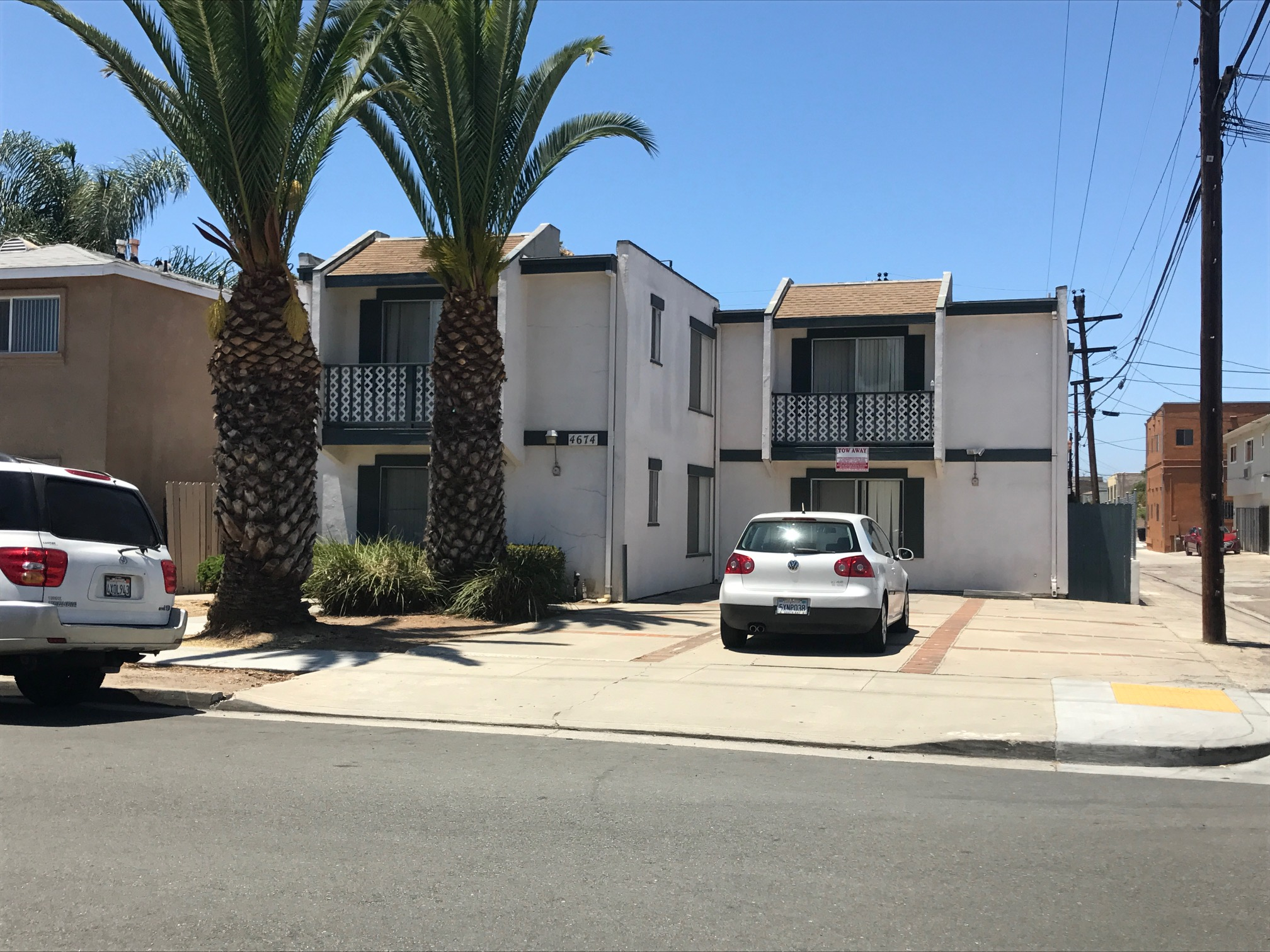 Two san diego apartment buildings sold to single buyer san diego business journal - Apartment buildings san diego ...