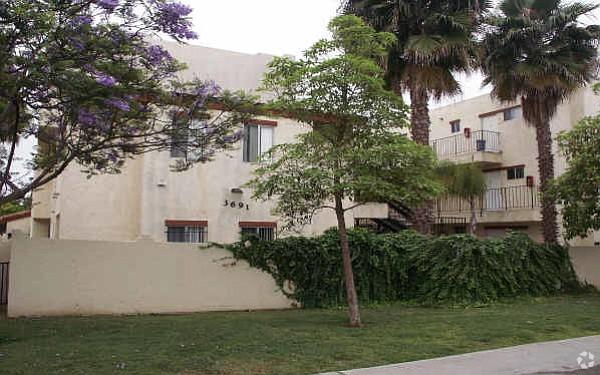 3691 National Ave. Photo courtesy of Apartment Advisors, Inc.