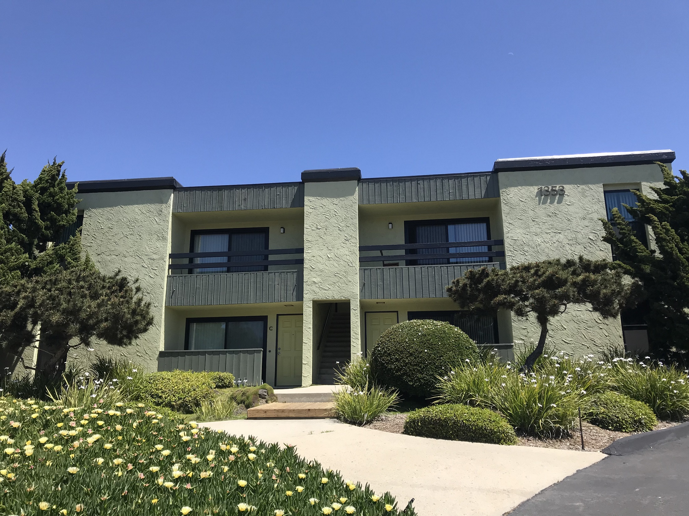Encinitas apartment buildings sold for 10m san diego business journal - Apartment buildings san diego ...