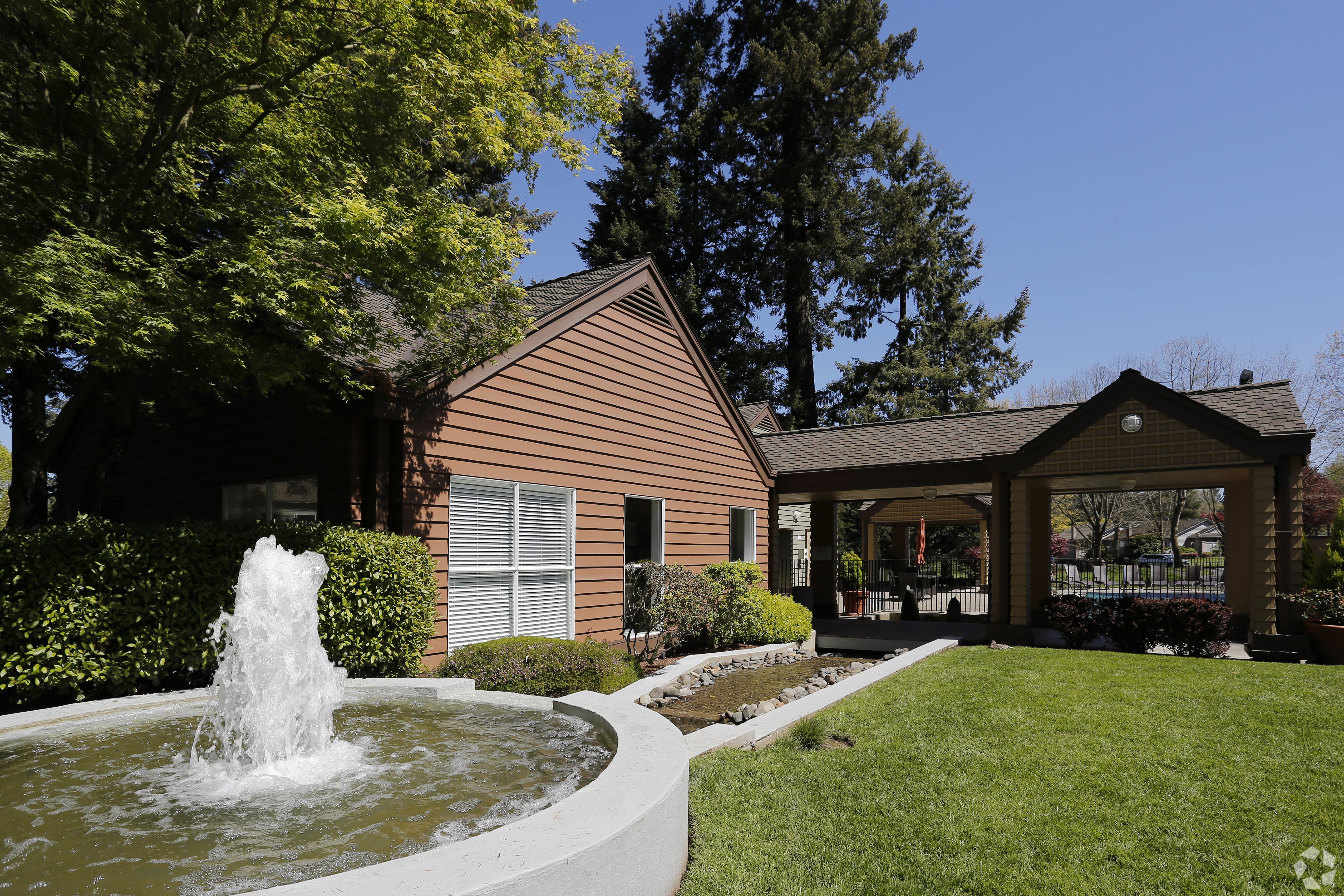 MG Properties Buys 2 Oregon Property Apartment Complexes