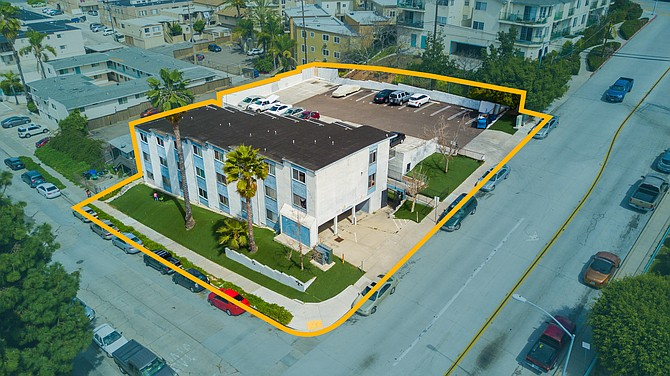 4201 51st St. Photo courtesy of South Coast Commercial, Inc.