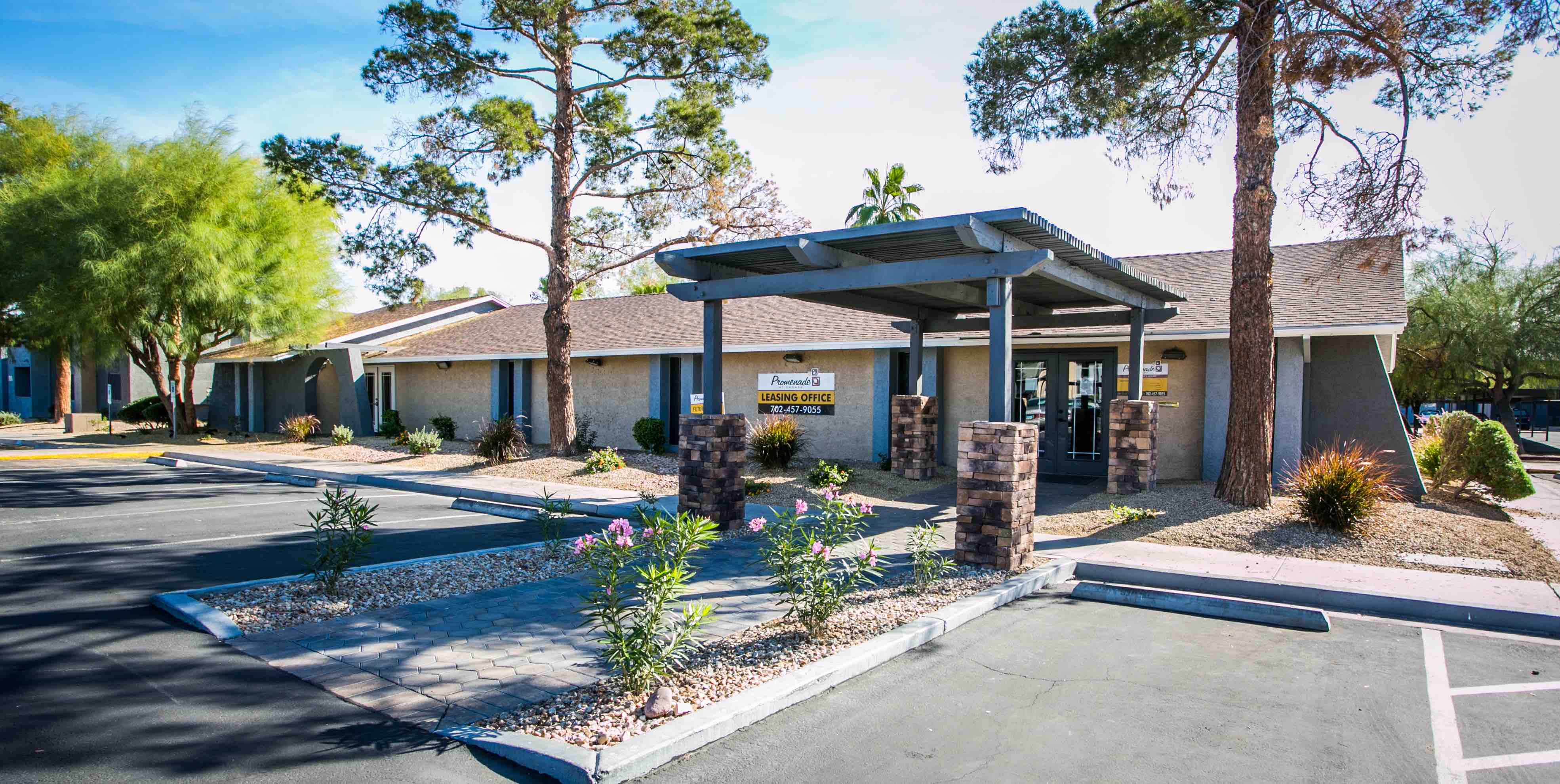 Tower capital 16 buys las vegas apartment complex for 32 - Apartment complexes san diego ...