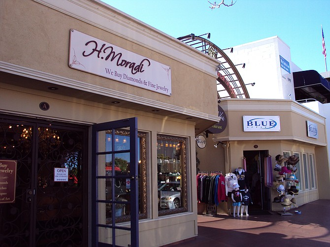 International Shops of La Jolla Photo courtesy of Capital Growth Properties, Inc.