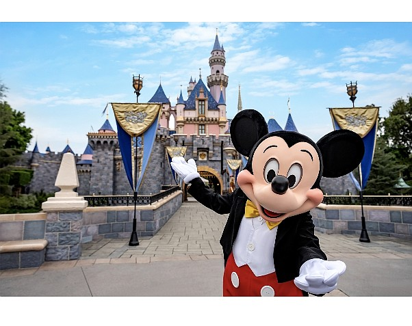 Disneyland plans to reopen in July