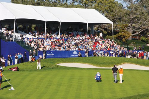 The 2012 Farmers Insurance Open golf tournament is expected to draw 140,000 spectators to the Torrey Pines Golf Course.