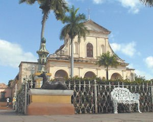 Travel: Despite embargo Cuba open to visits by certain U.S. groups.