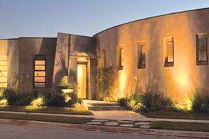 4527 Fairfield: features open floor plan