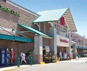 Four Corners: shopping center has supermarket anchor