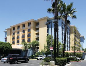 3100 E. Frontera: Embassy Suites is six miles from Disneyland