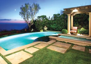6 Shore Walk: poolside ocean view
