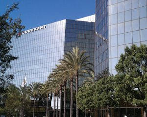 4000 MacArthur: two-tower complex in Newport Beach holds two chipmakers' headquarters