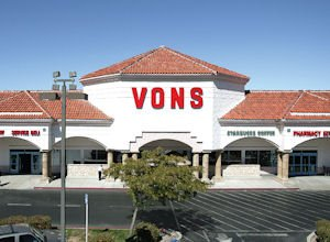 Anchor: The Vons at Quartz Hill Towne Center, which was 98 percent leased.