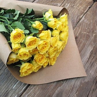 The Zest bouquet from Venice startup Bouqs Co. comes with 40 yellow spray rose blooms for $40. Photo courtesy of Bouqs Co.