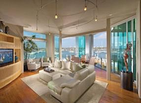 1008 E. Balboa: sliding glass doors bring the outside in