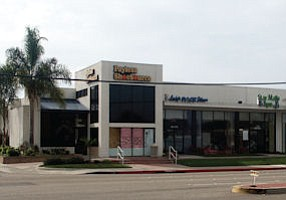 9842 Adams: Huntington Beach retail in market with dropping rents