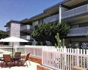 Las Brisas: investors buy 54-unit Newport Beach complex