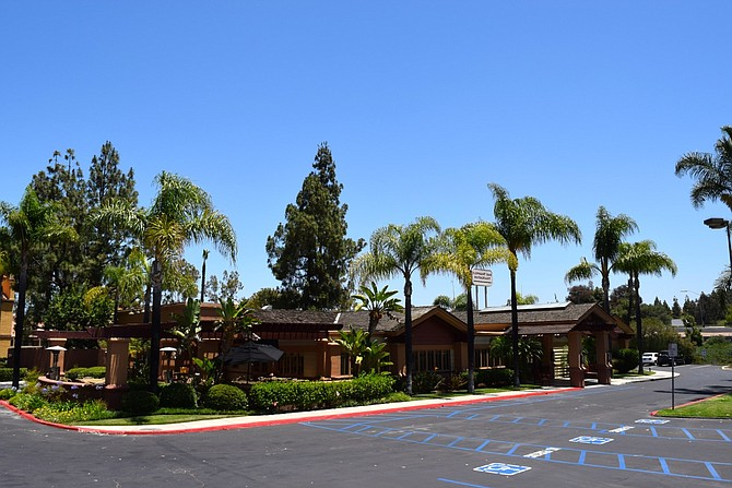 Rancho Bernardo Elephant Bar Closes As Co Shutters 16 Of Its