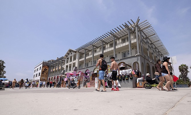 Building on Ocean Front Walk in Venice where Snapchat may expand. Photo by Ringo H.W. Chiu/LABJ