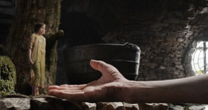 Might Need Hand With Moviegoers: Scene from Disney's $200 million 'BFG.'