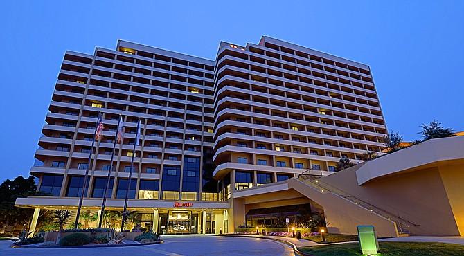 San Diego Marriott La Jolla – Photo courtesy of Carey Watermark Investors 2