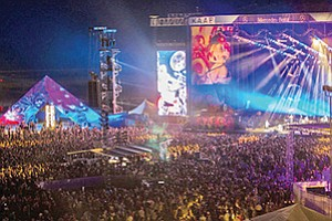An estimated 50,000 to 60,000 people attended the inaugural KAABOO festival at the Del Mar Fairgrounds. Photo courtesy of KAABOO