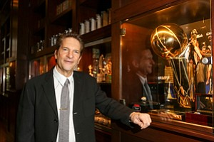 Squad Goals: Peter Guber has branched out from basketball and baseball to e-sports with a stake in Team Liquid.