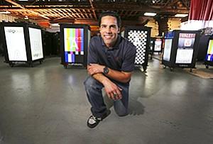 Mario Herbelin-Canelas retooled the standard podium into a digital marketing tool and a growing business.