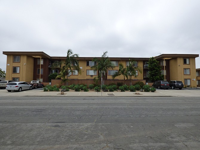 4720-4732 Hawley Blvd. - Photo courtesy of Colliers International Group Inc.