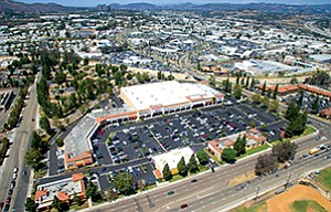 HomeGoods and Aldi will occupy the space vacated last year by Sports Authority (to the right of Staples in this aerial photo) at the Escondido Valley Center retail property. Photo courtesy of Cushman & Wakefield