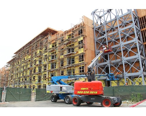 Platinum Triangle project: construction jobs gain in a down month