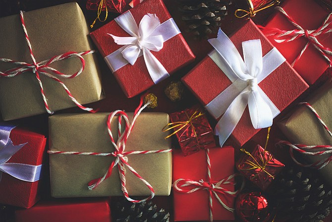Christmas Gift Exchange Ideas.Holiday Planning Venue Guide Nine Gift Exchange Ideas For