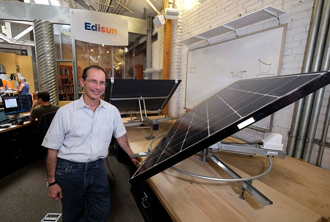 Edison CEO Bill Gross with his company's solar panel technology.