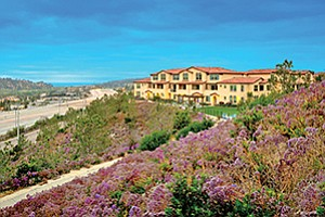 The 100-unit Ocean Air apartment in Torrey Hills was sold for an undisclosed price. Photo courtesy of CBRE