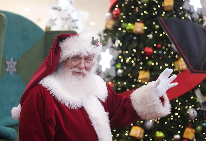 Santa at Glendale Galleria.