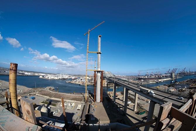 Gerald Desmond Bridge under construction