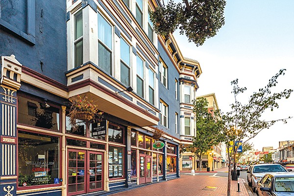 The Grand Pacific Hotel in San Diego's Gaslamp Quarter will be remodeled as a restaurant and bar. Photos courtesy of CoStar
