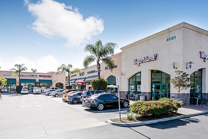 Del Oro Marketplace Photo courtesy of Matthews Real Estate Investment Services