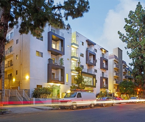 5 West Apartments: Infinity West Apartments In Hollywood Sold For $23.7