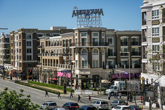 Entrance to the Americana at Brand center in Glendale